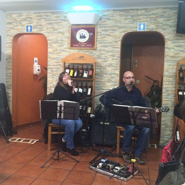 Foto tirada no(a) Restaurante Tony's por Esme O. em 2/17/2016