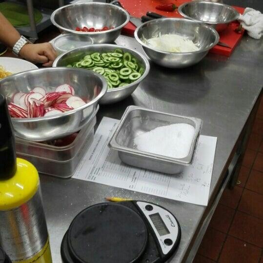 Foto tomada en Limón: Catering, Eventos y Escuela Culinaria por José G. el 4/8/2016