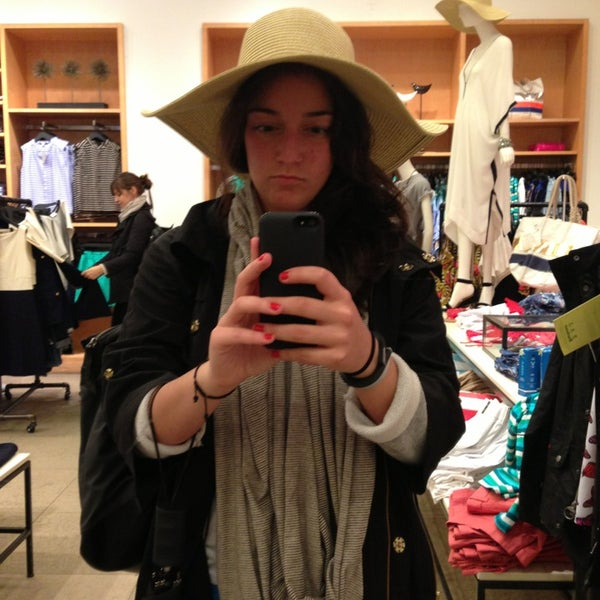 Photo taken at J.Crew by emma t. on 5/25/2013