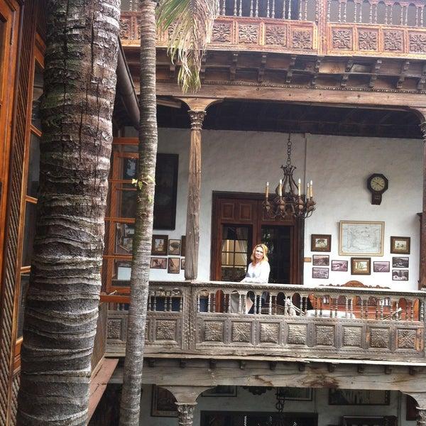 Foto tomada en La Casa De Los Balcones por Olena el 5/27/2013