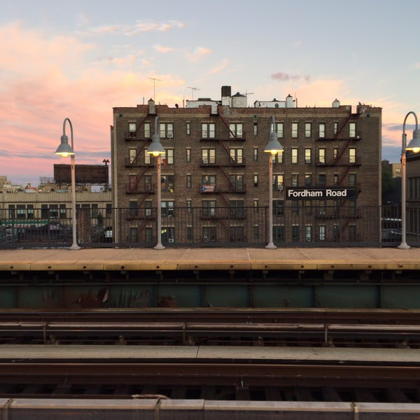 Photo taken at MTA Subway - Fordham Rd (4) by Alex on 10/9/2016