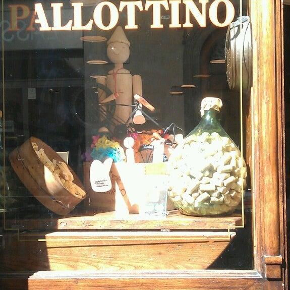 Foto scattata a Trattoria Pallottino da Nik P. il 10/1/2013