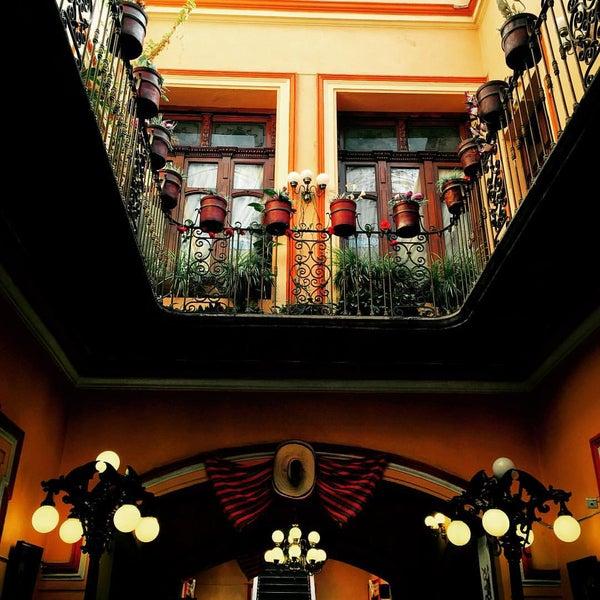 Foto tomada en Casa Real Poblana por Alejandro P. el 9/7/2015