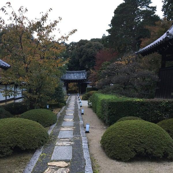 11/13/2016にはるふ(ha1f)が瑠璃山 雲龍院で撮った写真