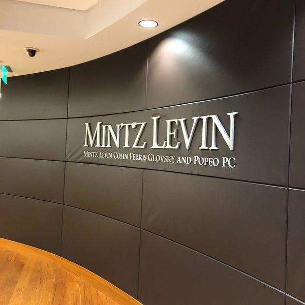 Foto tirada no(a) Mintz Levin por Ray E. em 6/21/2018