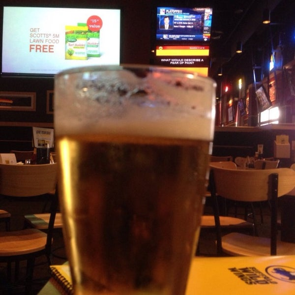 Photo taken at Buffalo Wild Wings by Greg B. on 4/20/2015