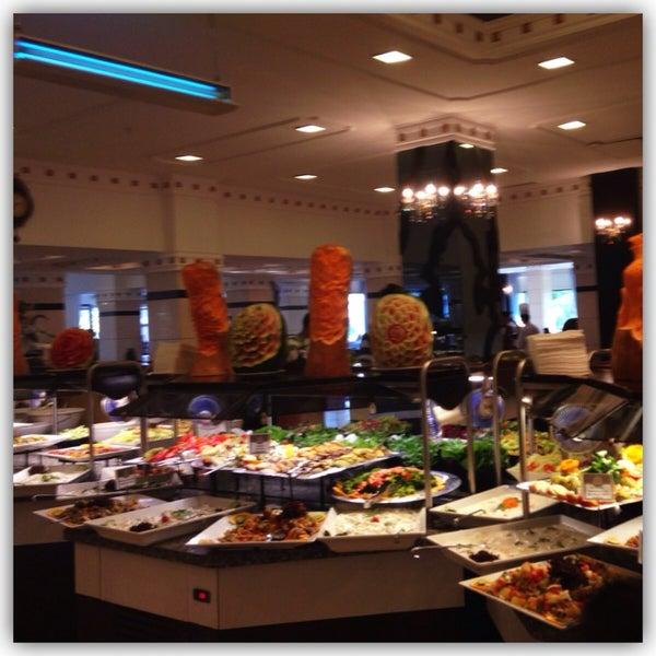 6/12/2014 tarihinde Kübraziyaretçi tarafından Sah İnn Restaurant'de çekilen fotoğraf