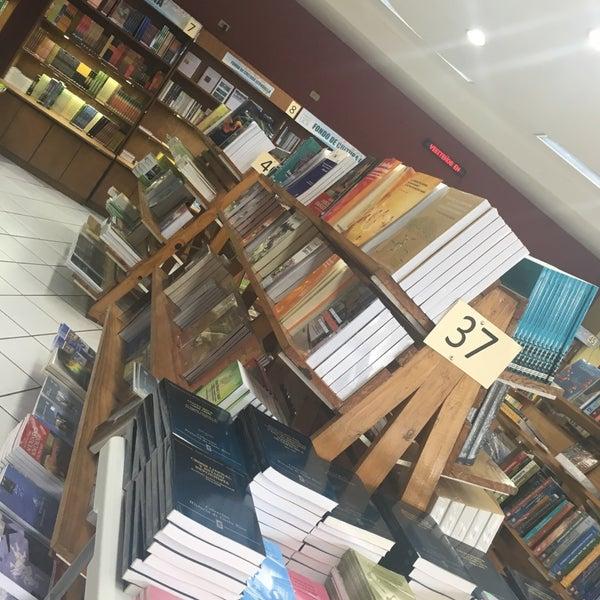 Libreria ucr librer a universitaria for Libreria universitaria
