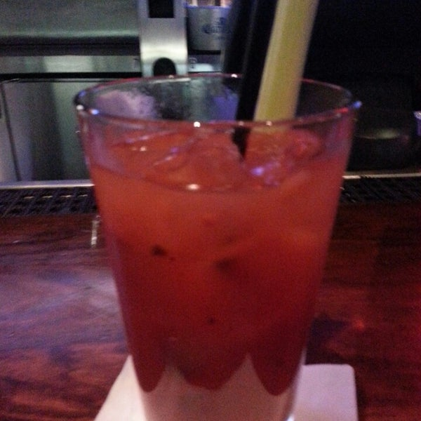 Photo taken at TGI Fridays Front Row Sports Grill by Brian O. on 3/9/2013