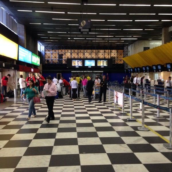 Снимок сделан в Международный аэропорт Конгоньяс/Сан-Паулу (CGH) пользователем Rômulo M. 11/11/2013