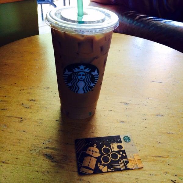 Photo taken at Starbucks by Erick T. on 10/7/2013
