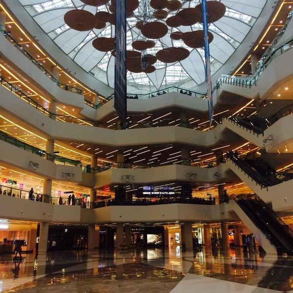 Photo taken at 银河国际购物中心 Galaxy Mall by Nelia K. on 11/12/2015