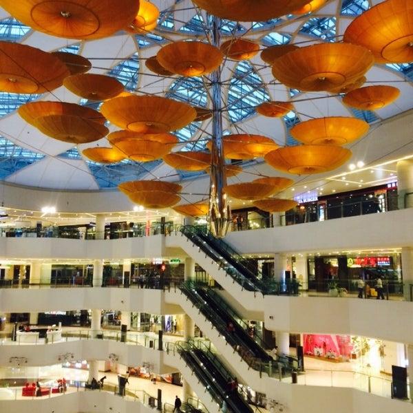 Photo taken at 银河国际购物中心 Galaxy Mall by Nelia K. on 10/14/2014