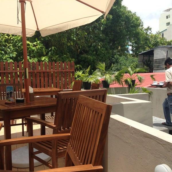 the hangout cafe Самые новые твиты от hangout cafe & resto (@hangout_cafer): abis makan siang paling enak ngemil yg crispy nihh gaesudah coba spring roll chicken prawn ala hangout cafe blm nihh.