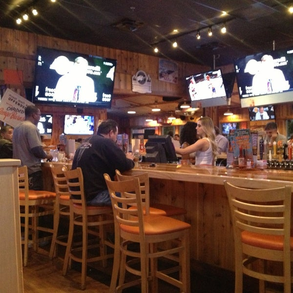 Photo taken at Hooters of Ontario by Daniel P. on 1/17/2013