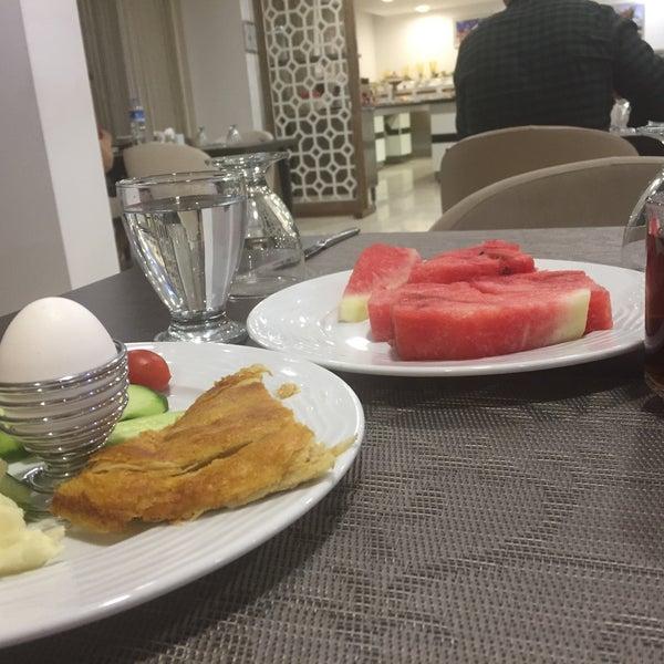 6/19/2017 tarihinde Emre G.ziyaretçi tarafından Otel Ahsaray'de çekilen fotoğraf