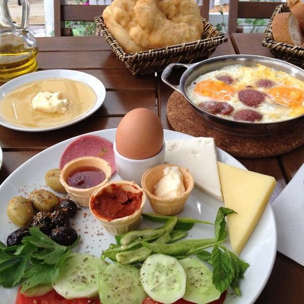 Kahvaltı keyfi her yönüyle güzel anlatılmaz yenir :)