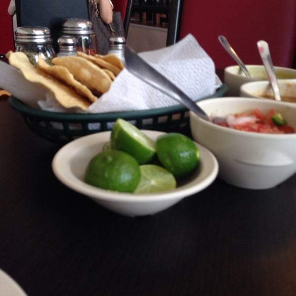 Photo taken at Pozole y Tacos Regios by Miguel B. on 9/20/2013