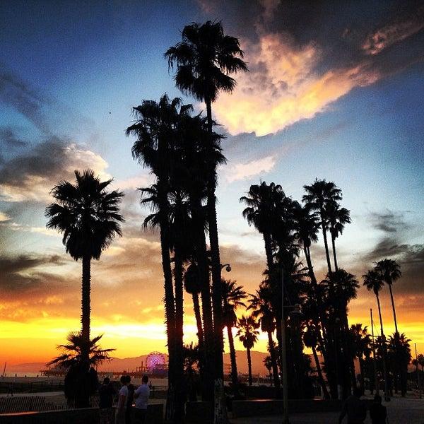 รูปภาพถ่ายที่ Casa Del Mar Hotel โดย Kevin S. เมื่อ 6/12/2013