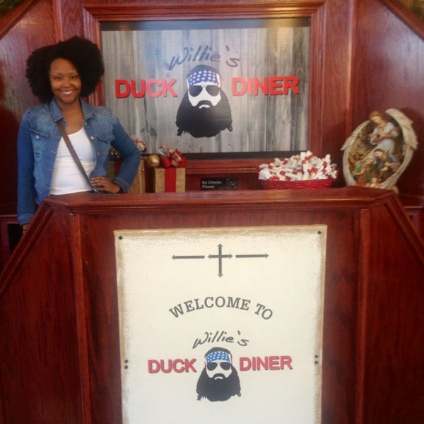Photo taken at Willie's Duck Diner by Taylor B. on 12/24/2013