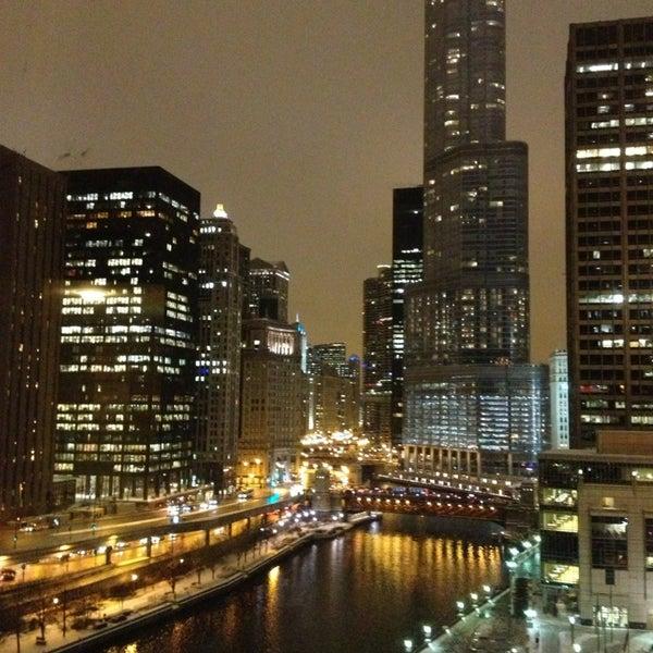 sheraton grand chicago hotel in chicago. Black Bedroom Furniture Sets. Home Design Ideas