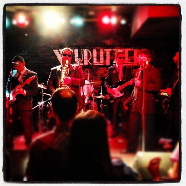Foto tomada en Wurlitzer Ballroom por Manu A. el 12/6/2012