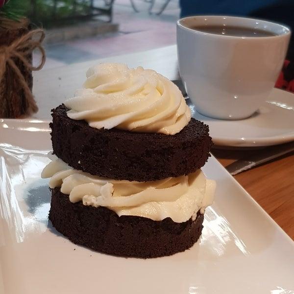 12/2/2017 tarihinde Burak G.ziyaretçi tarafından Ruudo Coffee & Bakery'de çekilen fotoğraf