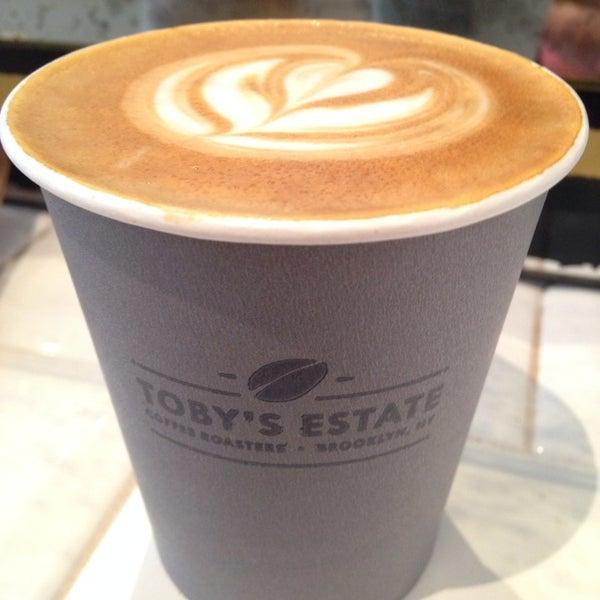 Foto scattata a Toby's Estate Coffee da Michela G. il 7/14/2014