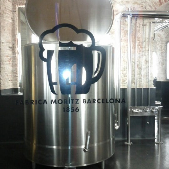 Foto tomada en Fàbrica Moritz Barcelona por Peivon L. el 11/17/2012