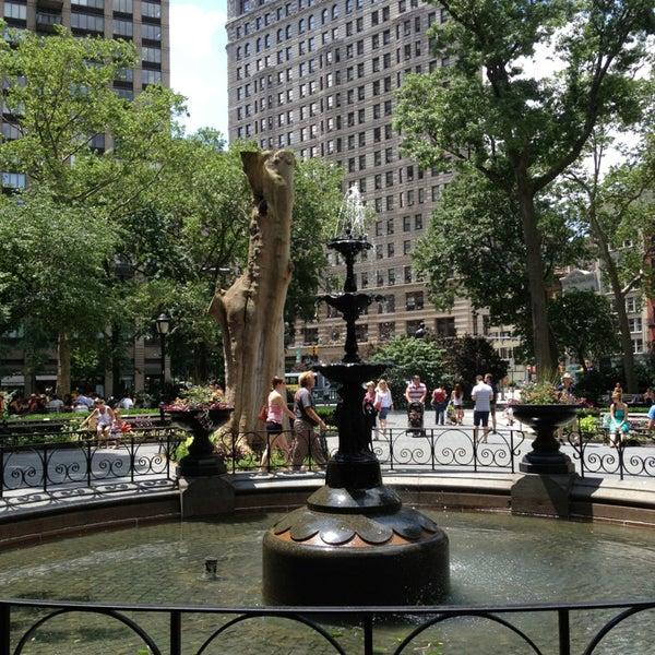 Foto diambil di Madison Square Park oleh Dylan P. pada 7/4/2013