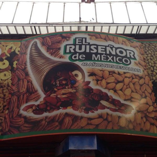 Foto tomada en El Ruiseñor de México por Braulio N. el 8/18/2013
