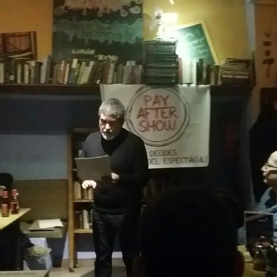 11/20/2014 tarihinde The Topcafeziyaretçi tarafından Café con Libros'de çekilen fotoğraf