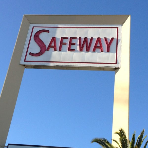 Photo taken at Safeway by Lindsay B. on 1/26/2013