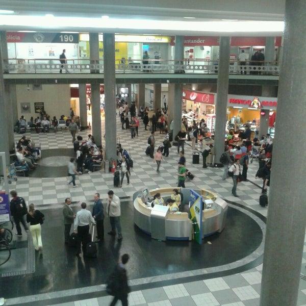 Снимок сделан в Международный аэропорт Конгоньяс/Сан-Паулу (CGH) пользователем Hemerson R. 7/5/2013