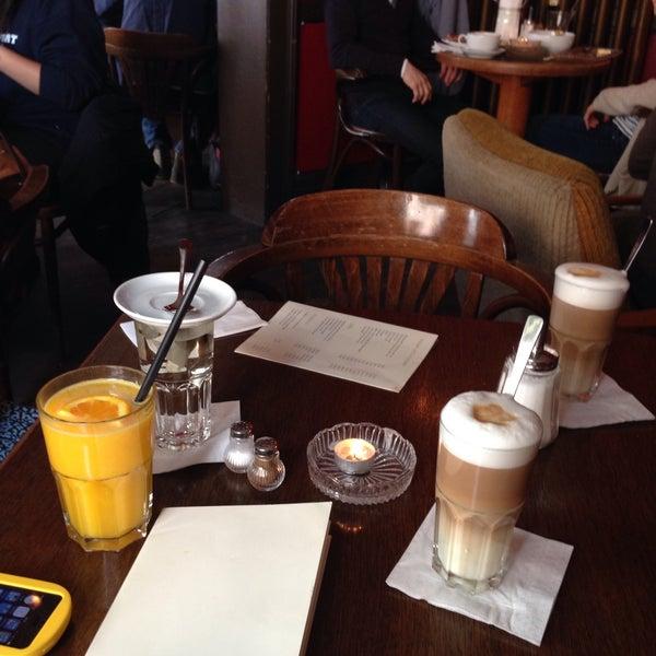 Das Foto wurde bei Café Maingold von Gustavo G. am 2/1/2015 aufgenommen
