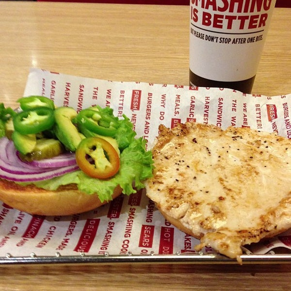 Photo taken at Smashburger by Lisa B. on 5/21/2013