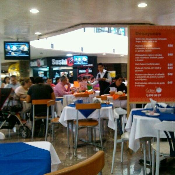 Zona de comida corrida en Galería Las Ánimas