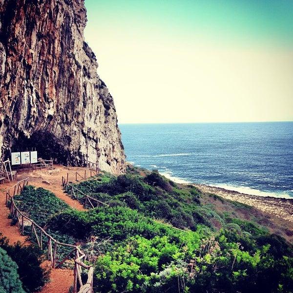 Foto scattata a Grotta Del Genovese da vadoevedo il 10/31/2013