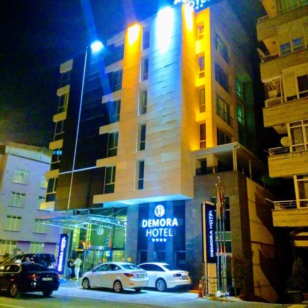 รูปภาพถ่ายที่ Demora Hotel โดย Güler K. เมื่อ 7/28/2018