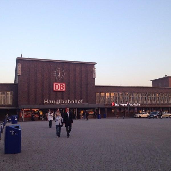 Photo taken at Duisburg Hauptbahnhof by Oliver K. on 10/7/2013