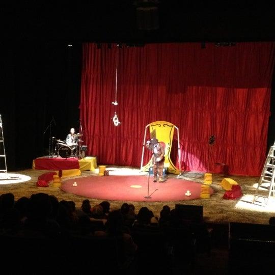 Foto tomada en Teatro Hidalgo por Fatima R. el 7/21/2012