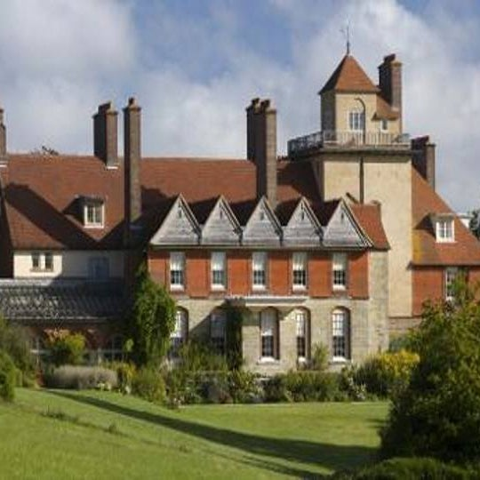 A Spectacular Renovation In Forest Hill London: Standen NT House & Gardens