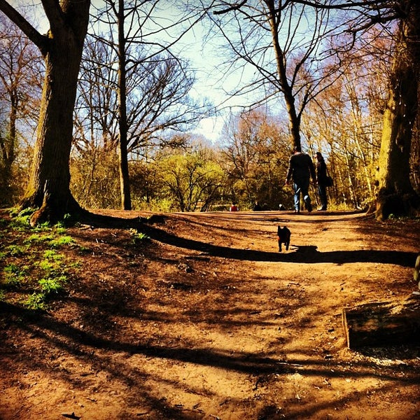 4/20/2013 tarihinde Mike S.ziyaretçi tarafından Hampstead Heath'de çekilen fotoğraf