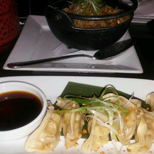 Foto tomada en Red Koi Thai & Sushi Lounge por Me&Te el 10/17/2016