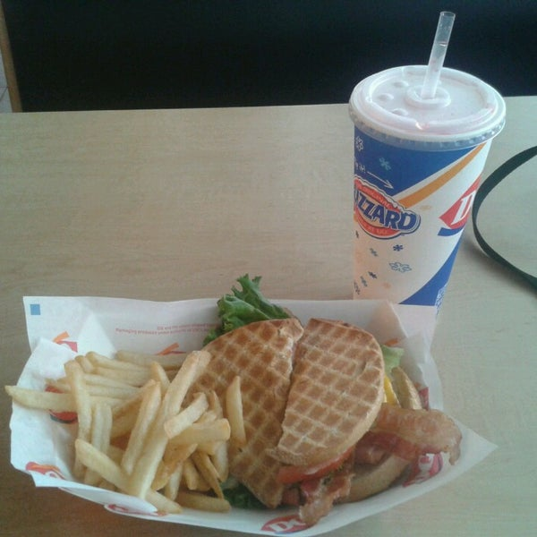 Photo taken at Dairy Queen by Arturo R. on 6/1/2013