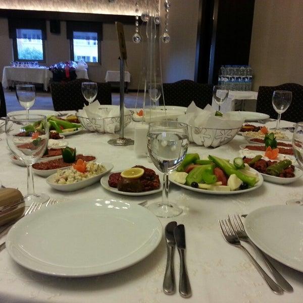 Das Foto wurde bei Grand Hotel Gaziantep von Ebru Ö. am 6/7/2013 aufgenommen