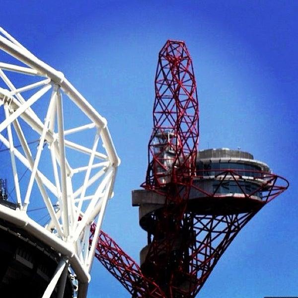 7/18/2013 tarihinde Andrew W.ziyaretçi tarafından Queen Elizabeth Olympic Park'de çekilen fotoğraf