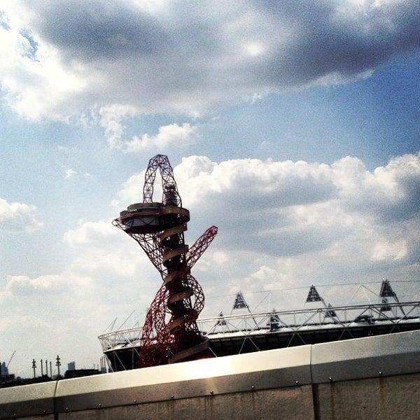 7/17/2013 tarihinde Andrew W.ziyaretçi tarafından Queen Elizabeth Olympic Park'de çekilen fotoğraf