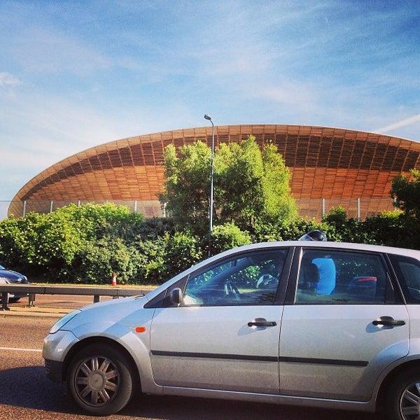 7/15/2013 tarihinde Andrew W.ziyaretçi tarafından Queen Elizabeth Olympic Park'de çekilen fotoğraf