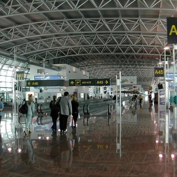 Снимок сделан в Брюссельский аэропорт (BRU) пользователем Robert T. 6/24/2013